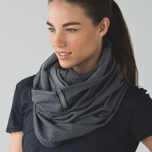 Lululemon Vinyasa Scarf Heathered Slate Black